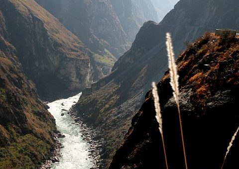 How to Get to The Tiger Leaping Gorge Trekking Tour