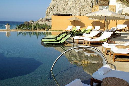 Luxury Pool Resort